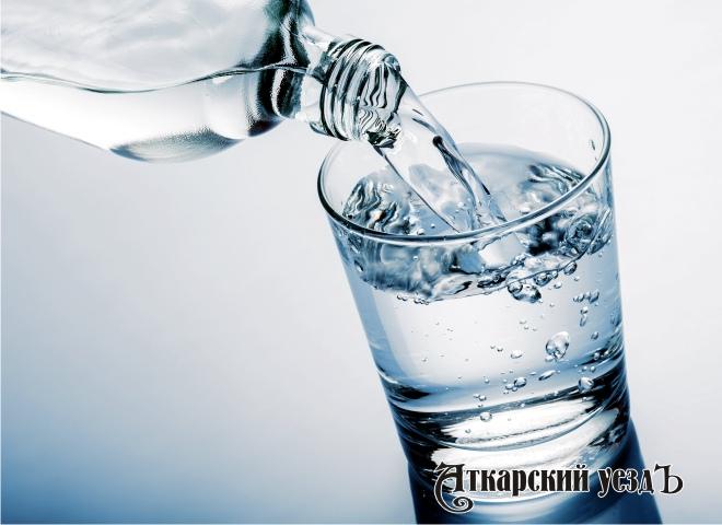 Жители России пьют воду из-под крана