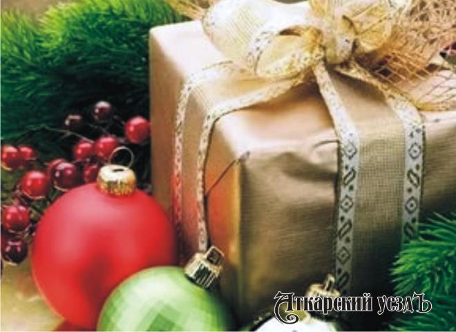 Топ-5 новогодних подарков в 2017г. возглавила парфюмерия