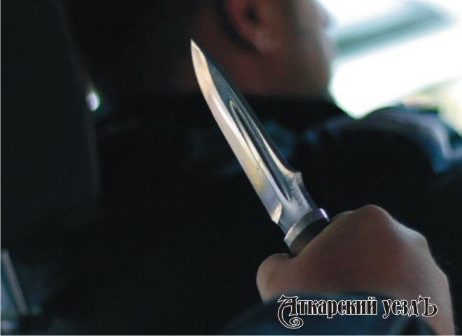 Нетрезвый уголовник напал натаксиста сножом