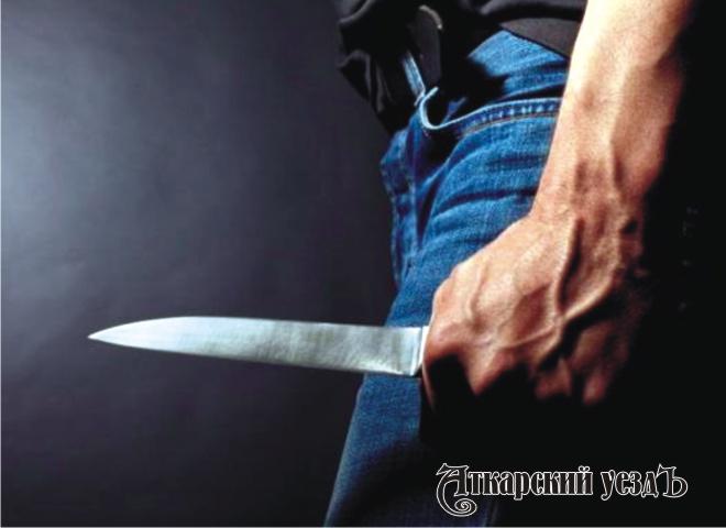 Под Саратовом ударом ножа вобласть сердца убита женщина