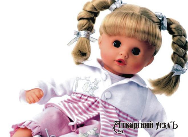 37-летнюю женщину психолога изСаратовской области подозревали вкраже куклы