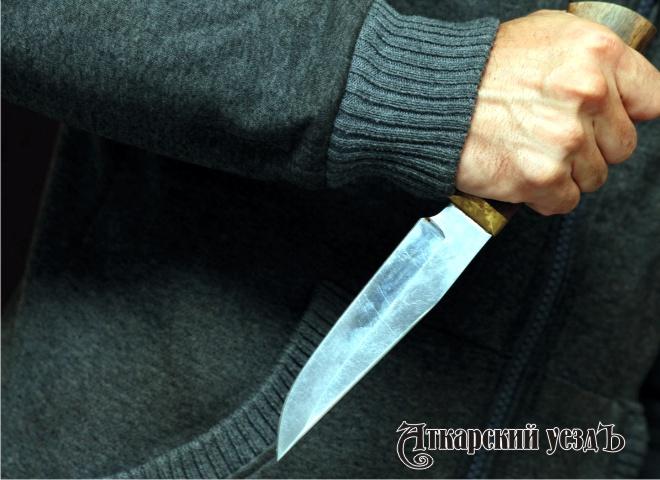 Саратовец нанес обиженному гостю 15 ударов ножом