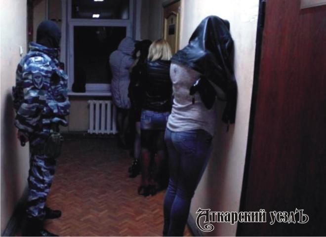 Полицейские задень задержали вСаратове 3-х  проституток