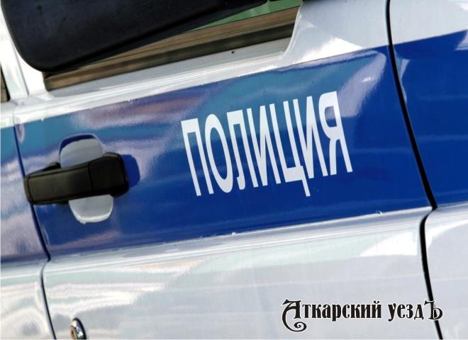 ВАткарске полицейский сломал челюсть недовольному задержанием земляку