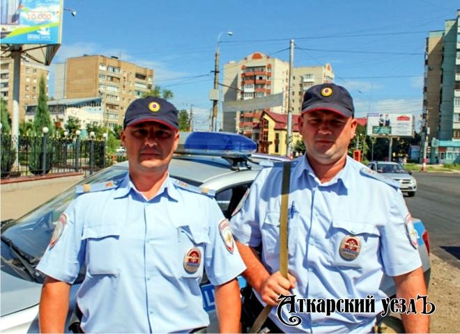 Энгельсские полицейские задержали велосипедиста собрезом