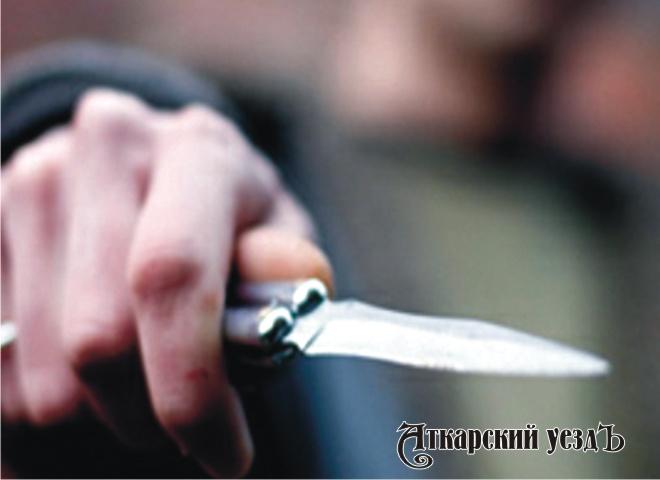 ВЭнгельсе рецидивист ограбил родителей и грозил имножом