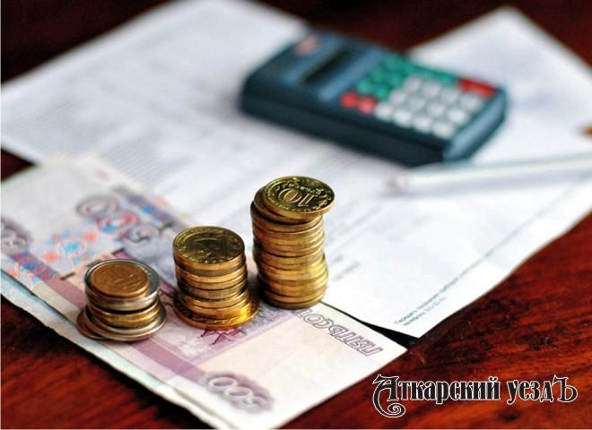 Деньги платежки за коммуналку и калькулятор