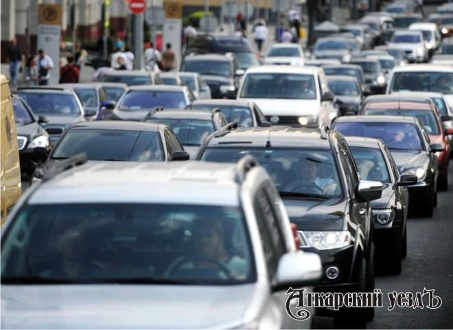 На 1,5 миллиона в год растет количество зарегистрированных автомобилей в России