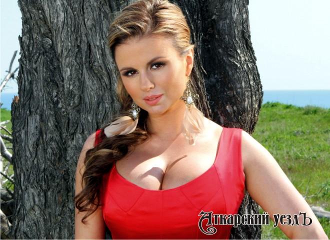 Жанна с огромной грудью 296
