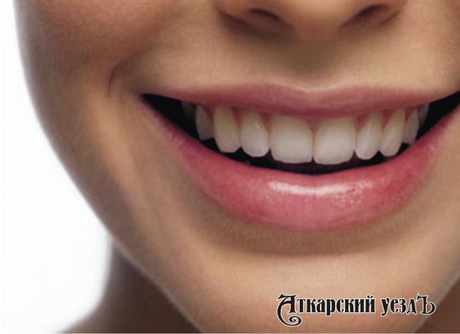 Ученые: Счастливая личная жизнь оказывает воздействие насостояние зубов
