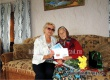 Сотрудники ЦСЗН поздравили аткарчанку с 90-летием