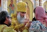 Владыка Лонгин совершил литургию в Петропавловском храме