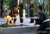 На закате аткарчане зажгли свечи памяти у Мемориала Славы