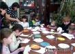 Логопедический футбол и символ Рождества объединили родителей и детей в ЦДТ