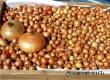 На рынке Аткарска пресекли торговлю подозрительным луком-севком