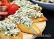Рецепт дня от «Уезда»: закуска из багета с сыром и печенью трески