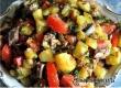 Рецепт дня от «Уезда»: салат со шпротами, помидорами и картофелем
