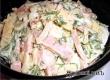 Нежнейший салат с кальмарами и ветчиной – рецепт дня от «Уезда»