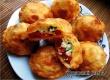 Рецепт дня от «Уезда»: пирожки-бомбочки с помидорами и творогом