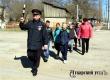 Автоинспекторы прошли с детьми по маршруту от школы до дома