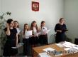 Соцработники и волонтеры поздравили аткарских медиков с праздником весны