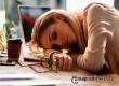 Исследование: большинству россиян не хватает времени на сон