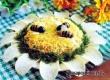 Салат с шампиньонами и ананасами «Подсолнух» – рецепт дня «АУ»