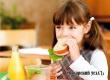 Роспотребнадзор уточнит, какие продукты дети могут приносить в школу