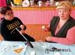 Аткарская мастерица провела мастер-класс «Цветы-светильники» в Даниловке