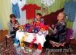 Жительница района вяжет орхидеи, сапожки, игрушки и купальники