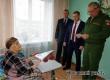 Елин и Кичатов вручили медали участнице войны Вере Степановой