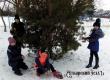 «Снежинки» и «Сосульки» соревновались в играх и конкурсах