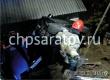 На улице Садовой автомобиль слетел с моста и протаранил дом