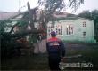 Ураган в Большой Екатериновке и Умете раскрыл крыши 45 домов и зданий