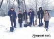 Трудовой десант расчистил от снега двор аткарской пенсионерки