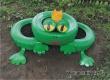 Территорию сельского ДК украсили «лягушка» и «гриб-мухомор»