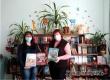 Виктория Костенко подарила детской библиотеке энциклопедические книги