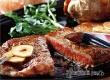 Курящие люди предпочитают излишне калорийную еду – ученые