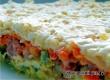 Слоеный салат с картошкой, ветчиной и грибами – рецепт дня от «Уезда»